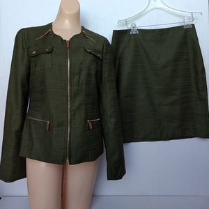 Anne Klein Suit Blazer Size 6 and Skirt Size 8 Set